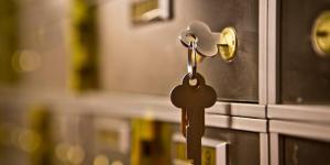 key in safe deposit box